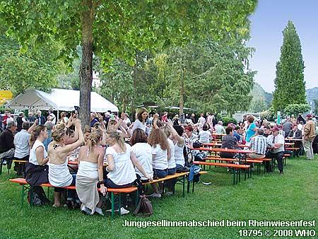 Junggesellinnenabschied beim Rheinwiesenfest Bacharach am Rhein.